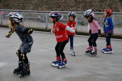 corso-pattinaggio-bambini2